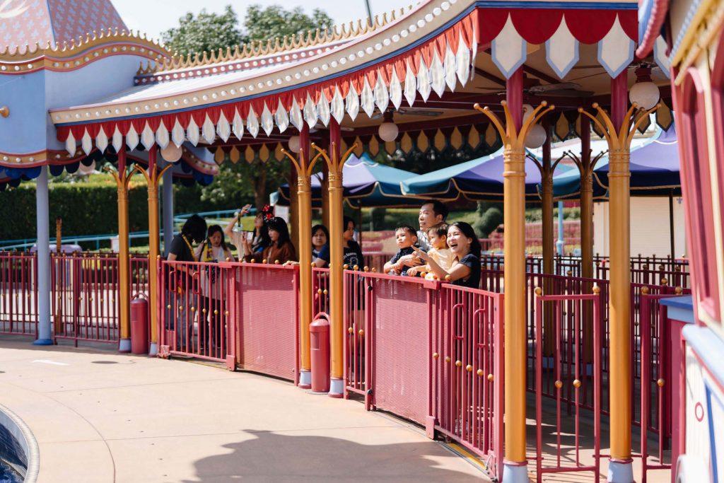 dumbo ride sweet escape hong kong disneyland