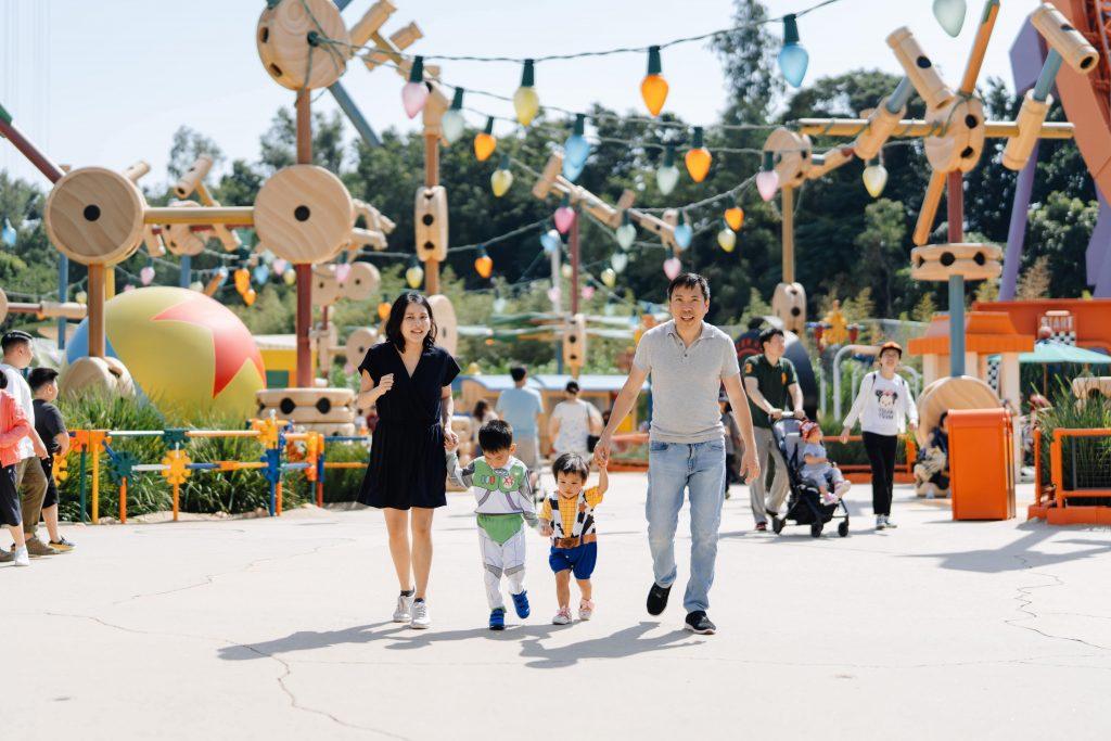 toy story land family walking